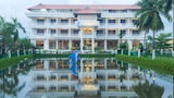 Choose This 3 Star Hotel In Vypin