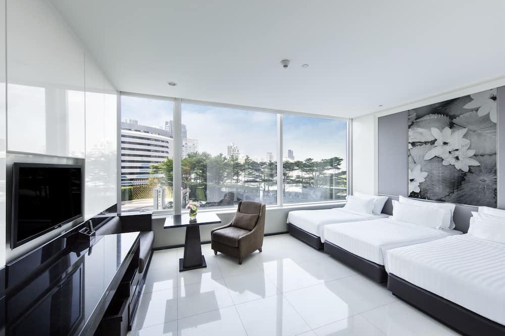 Grand Deluxe Triple Room - Vardagsrum