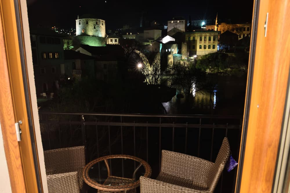 Double room, balcony with river view - Balcony