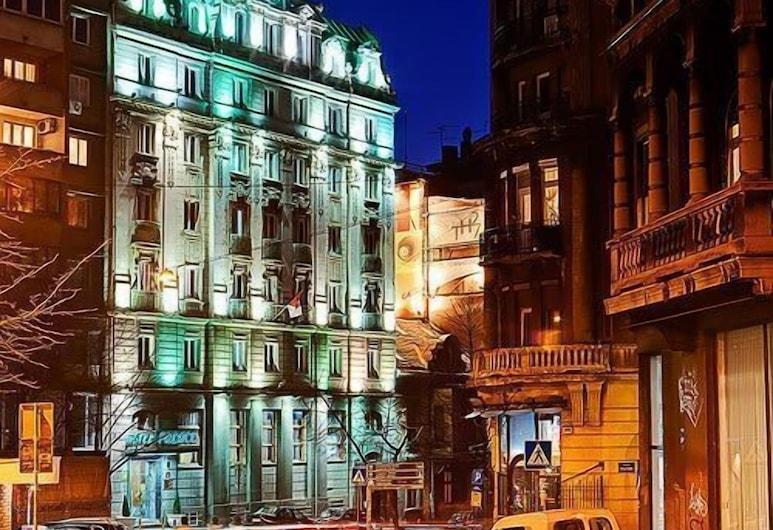 Palace Hotel, Βελιγράδι, Πρόσοψη ξενοδοχείου - βράδυ/νύχτα