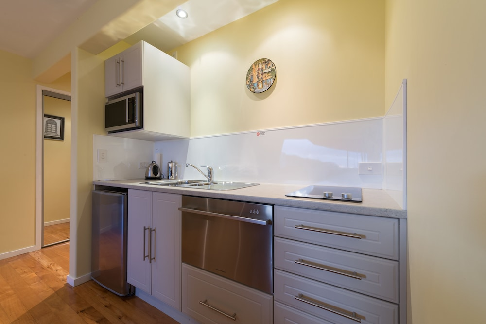Κουζινούλα στο δωμάτιο