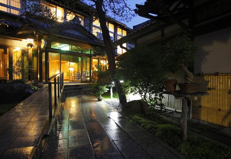 Hanaougi Bettei Iiyama, Τακαγιάμα