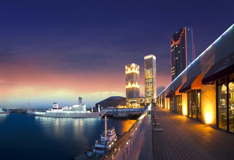 Hilton Dalian, Đại Liên, Quang cảnh từ khách sạn
