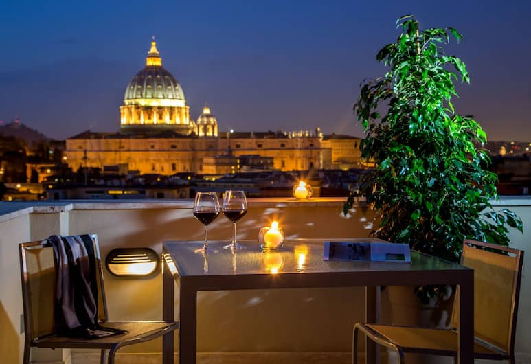 Roma Dreaming ApartHotel, Rome, Deluxe Triple Room, Terrace, City View (San Peter View), City View