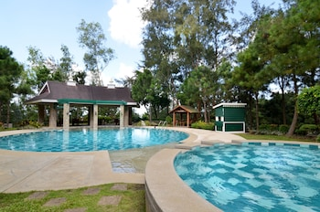Enter your dates for our Tagaytay last minute prices