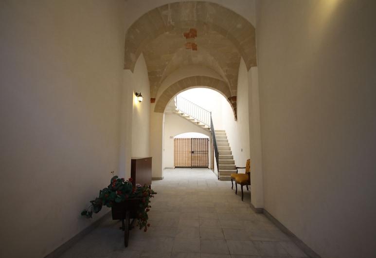 SoleTerraLuna, Trapani, Inngangsparti