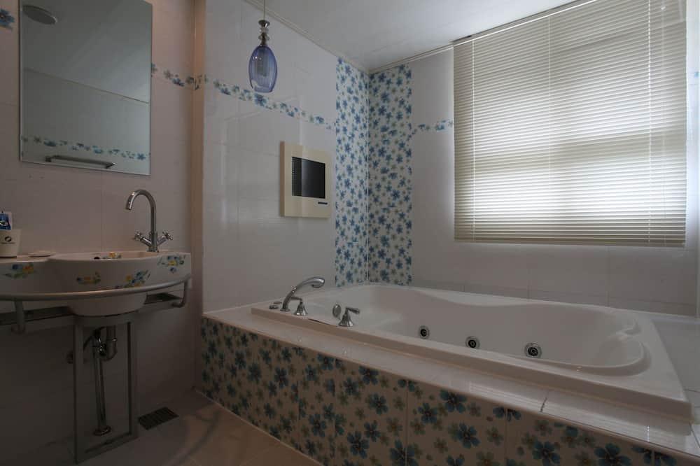 Phòng đôi Deluxe - Tiện nghi phòng tắm