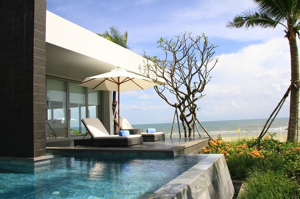 5 Bedrooms Beachfront Pool Villa - Private pool