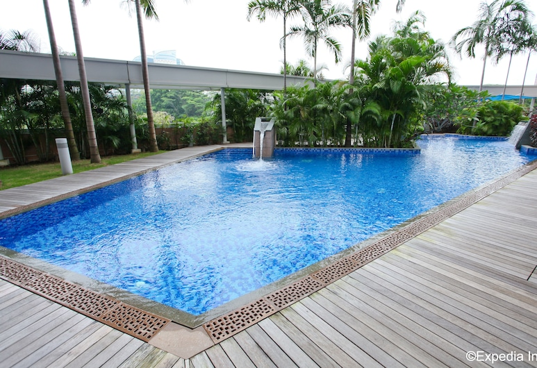 Park Avenue Rochester, Singapore, Outdoor Pool