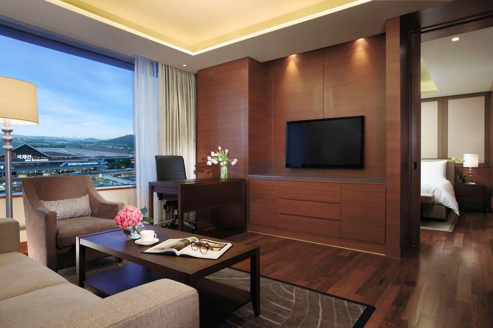 Superior Suite Double, Airport View - Utsikt från gästrum