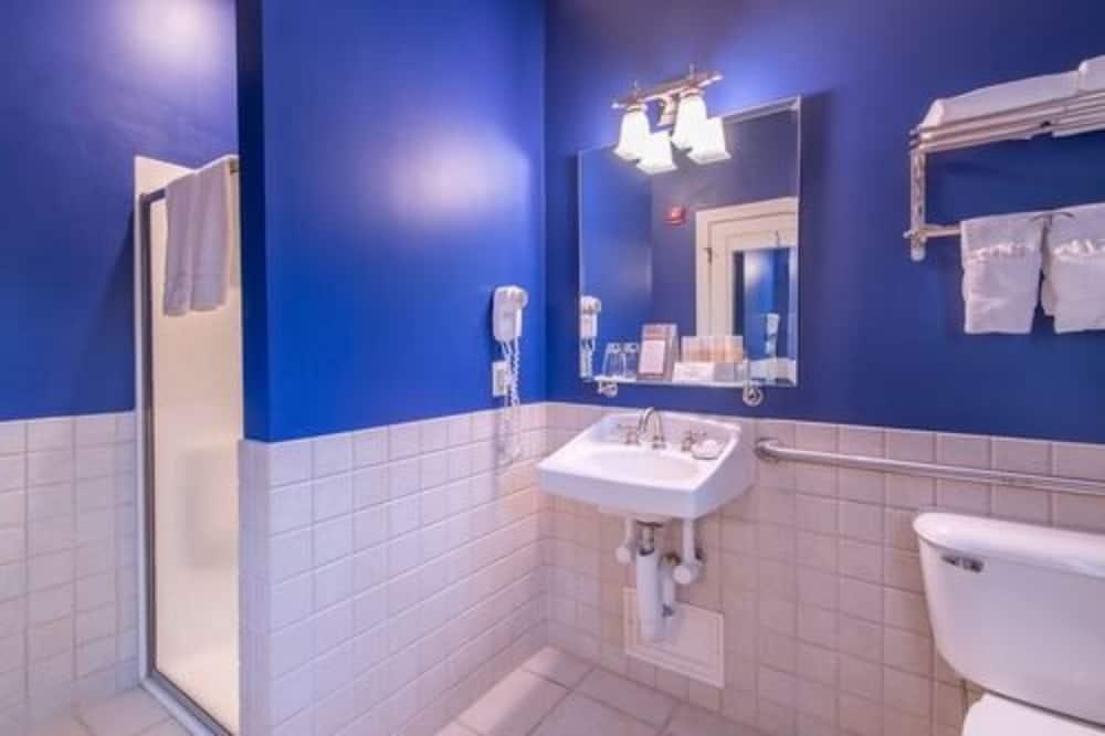 Standardní pokoj s dvojlůžkem, vlastní koupelna ( Handicap Accessible) - Koupelna