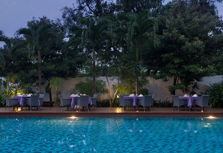 Hotel Santika Cirebon, Šiaurės Čirebonas, Lauko baseinas