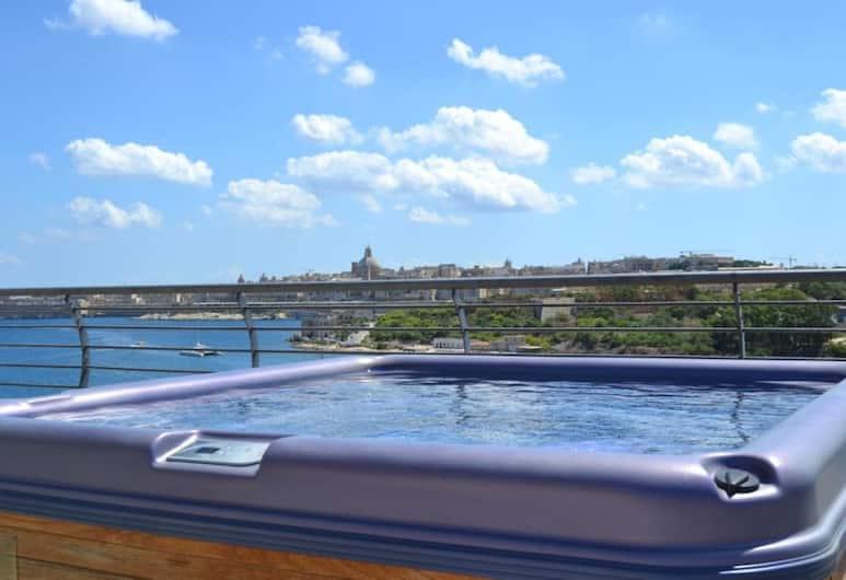 Pebbles Boutique Aparthotel, Sliema, Luksuzni penthouse, 3 spavaće sobe, pogled na more, okrenuto prema moru, Terasa/trijem