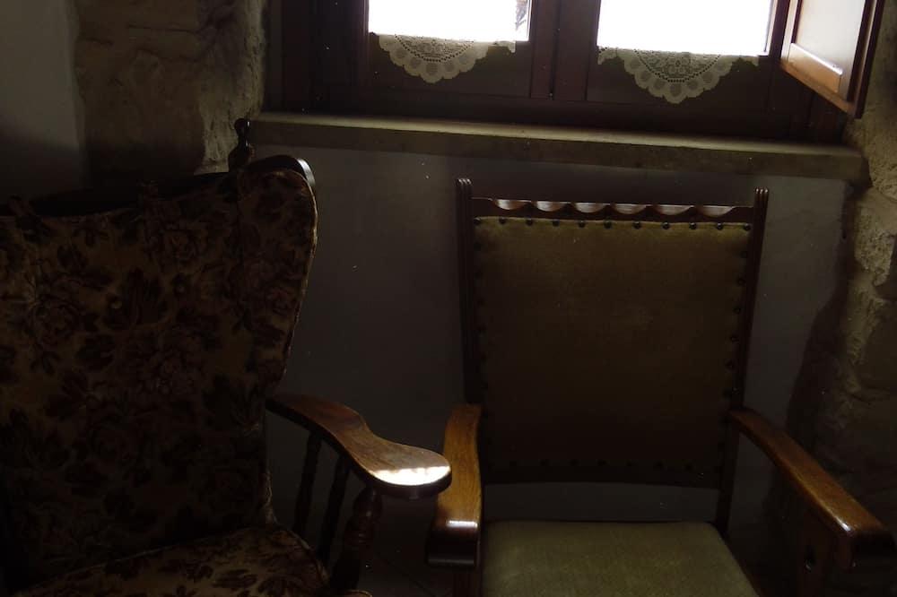 Classic-Doppel- oder -Zweibettzimmer, eigenes Bad - Wohnbereich