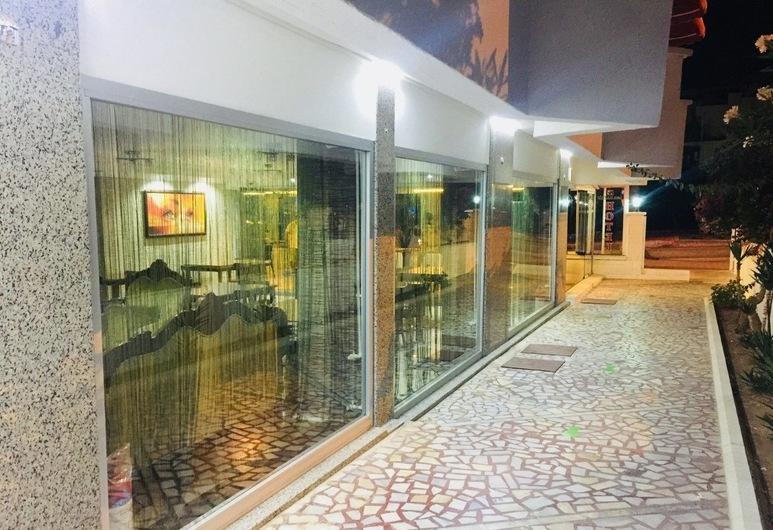 Lara Kapris Hotel, Анталія, Вхід до готелю