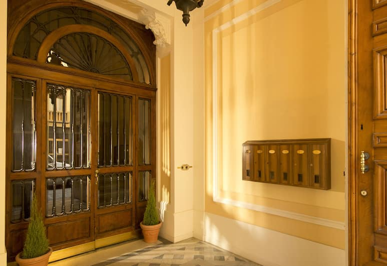 1865 Residenza D'epoca, Florence, Hall
