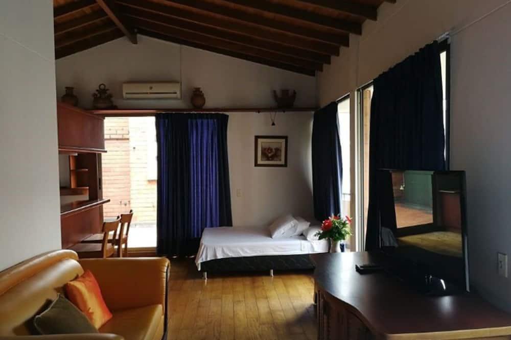 Penthouse, Hiên - Phòng