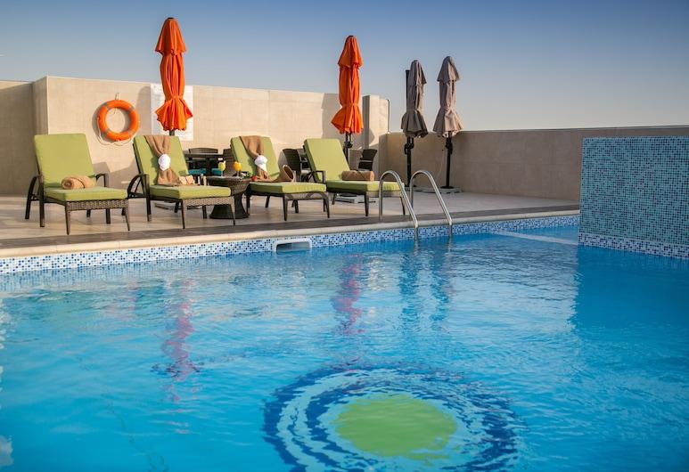 Gulf Pearls Hotel, Doha, Pool