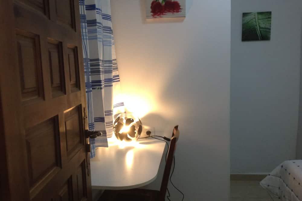 Basic egyágyas szoba, privát fürdőszoba - Nappali rész