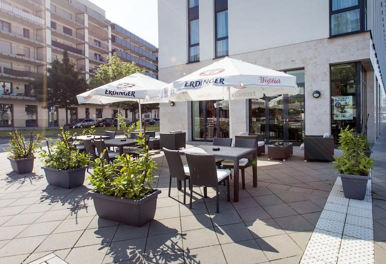 DORMERO Hotel Frankfurt Messe, Francoforte, Terrazza/Patio