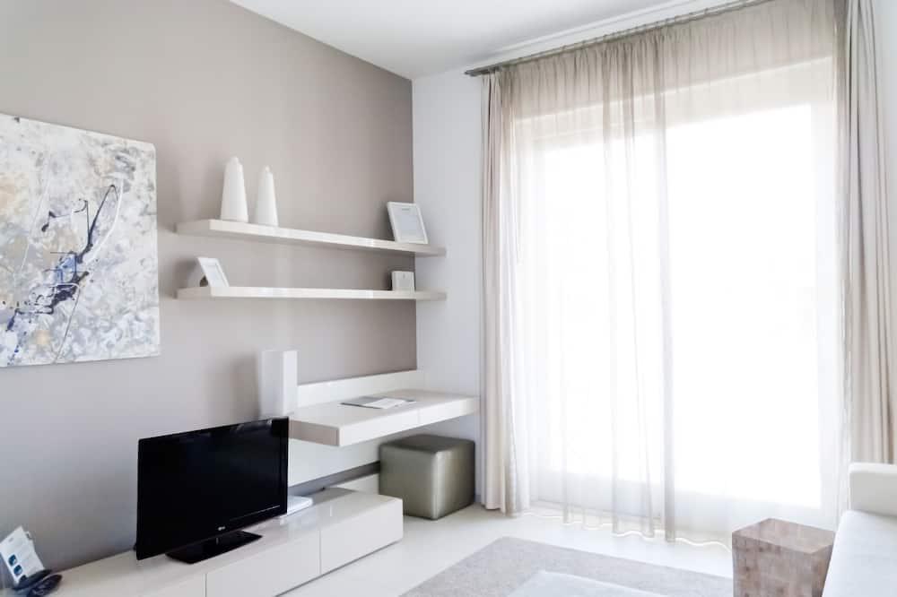 Deluxe Suite, Terrace - Living Area