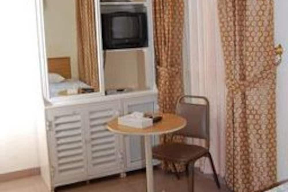 Trivietis kambarys - Vakarienės kambaryje