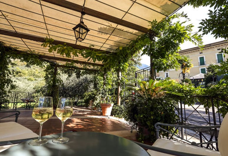 Villa Euchelia Resort, Castrocielo, Γεύματα σε εξωτερικό χώρο