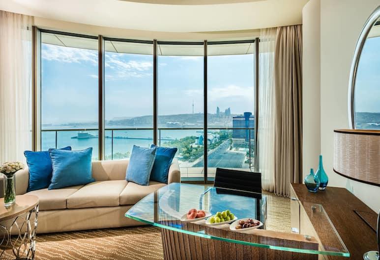 JW Marriott Абшерон Баку, Баку, Представительский номер, 1 двуспальная кровать «Кинг-сайз», доступ в бизнес-центр, вид на море, Номер