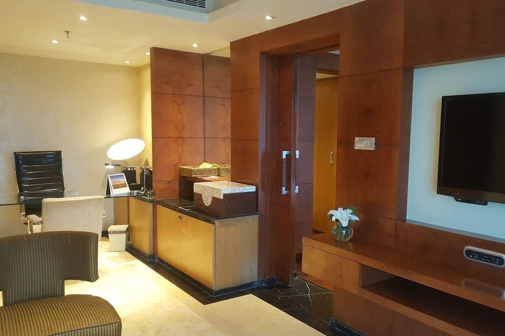 Deluxe Suite, 1 Bedroom, Pool View (Allure) - Living Area