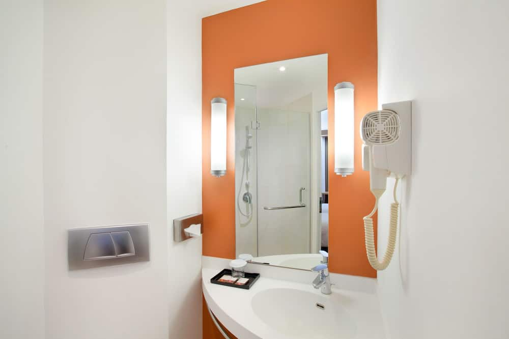 Kamar Standar, 2 Tempat Tidur Twin - Kamar mandi
