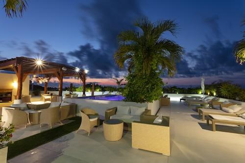 棕櫚海灘酒店/