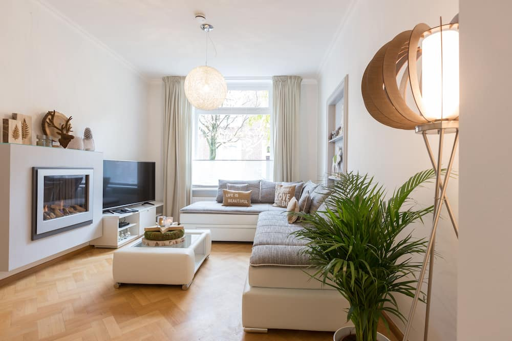 Superior-Apartment, 1 Schlafzimmer, Küche, Erdgeschoss - Wohnzimmer