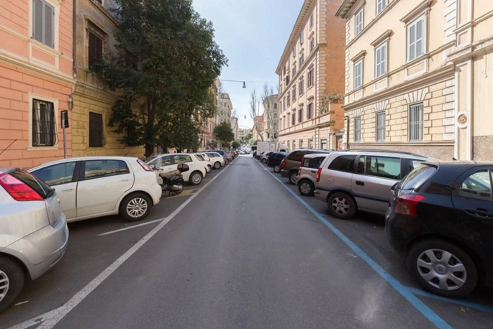 ElevenRome Inn, Rome