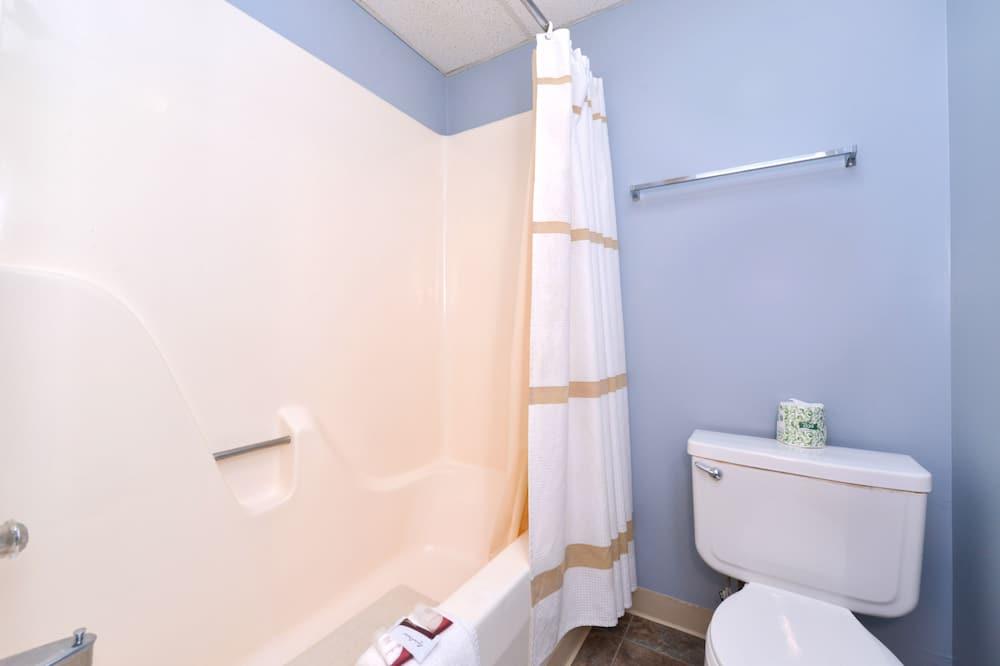 Zimmer, Nichtraucher (1 Full Bed Balcony Upper Floor ) - Badezimmer