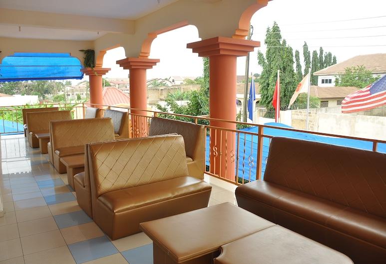 Oscarpak Royal Hotel, Άκκρα, Lounge ξενοδοχείου