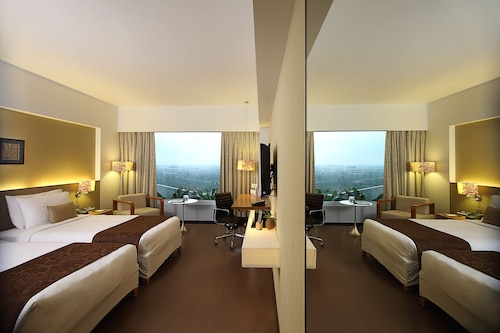 阿默達巴德費恩飯店/
