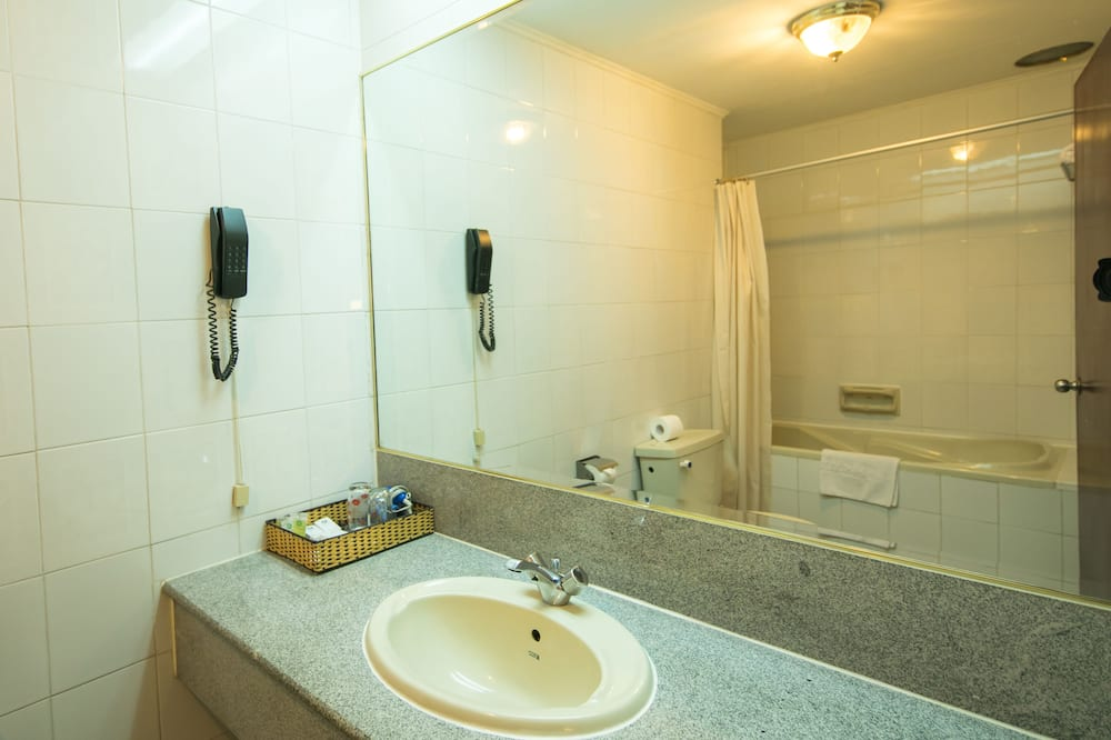 Habitación superior con 1 cama doble o 2 individuales (Internal View) - Baño