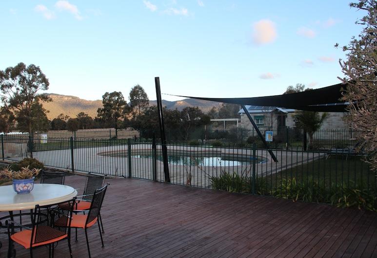 Starline Alpacas Farmstay Resort, Broke, Udendørs pool