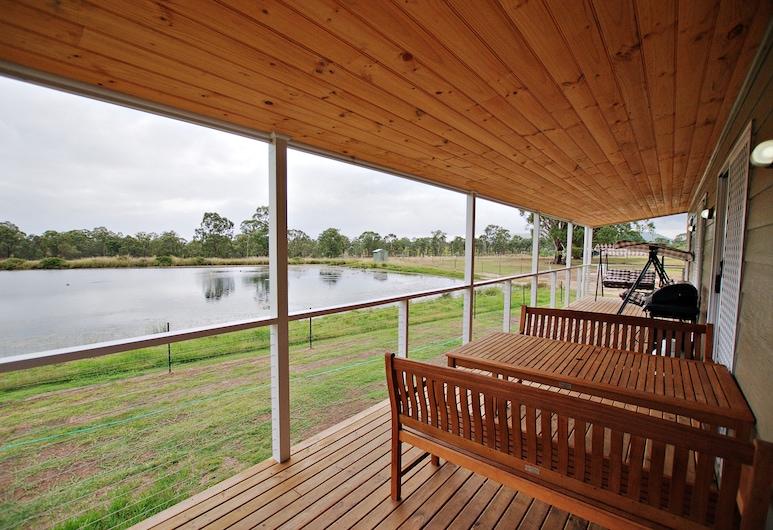 Starline Alpacas Farmstay Resort, Broke, Casa de Campo, 2 Quartos (Waterview), Varanda