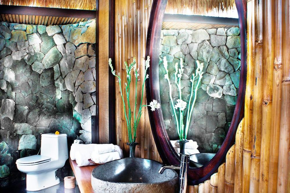 Suite, River View - Bathroom