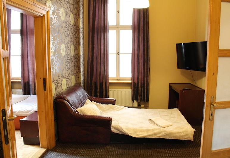 Cracow Old Town Guest House, Krakow, Triple Room, Bilik Tamu