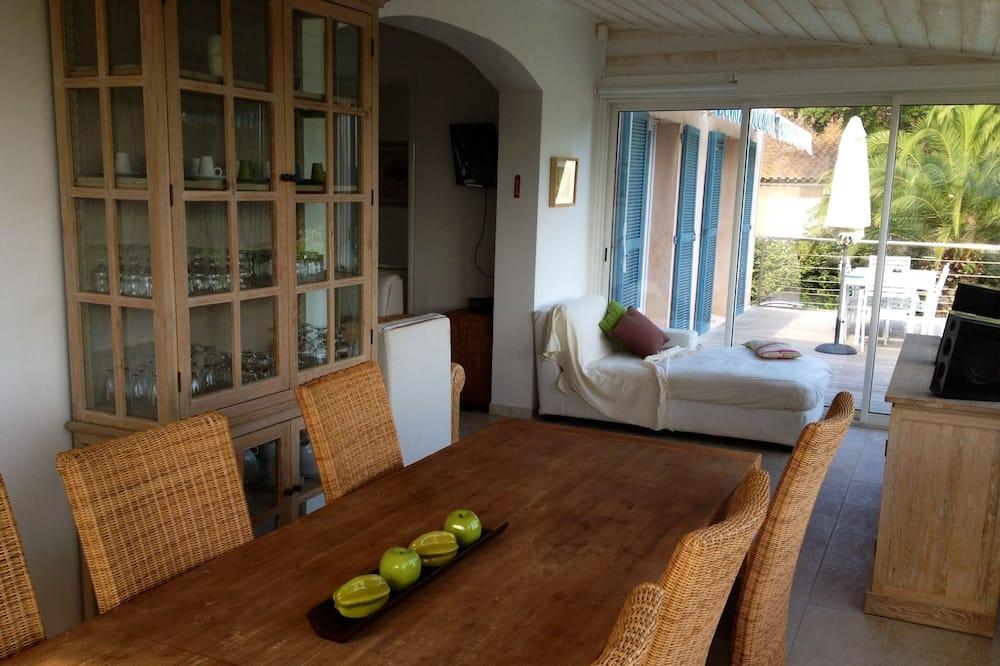 Panoramic Çatı Katı Süiti (Penthouse), 2 Yatak Odası, Mutfak, Deniz Manzaralı - Odada Yemek Servisi