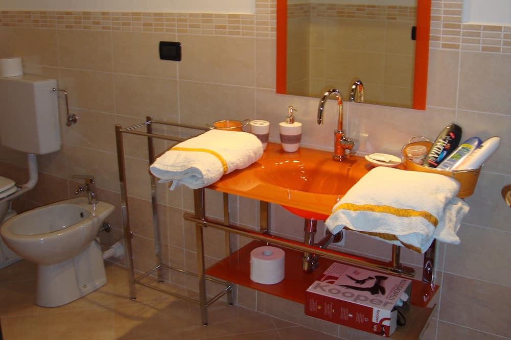 Royal Suite, Terrace - Bathroom