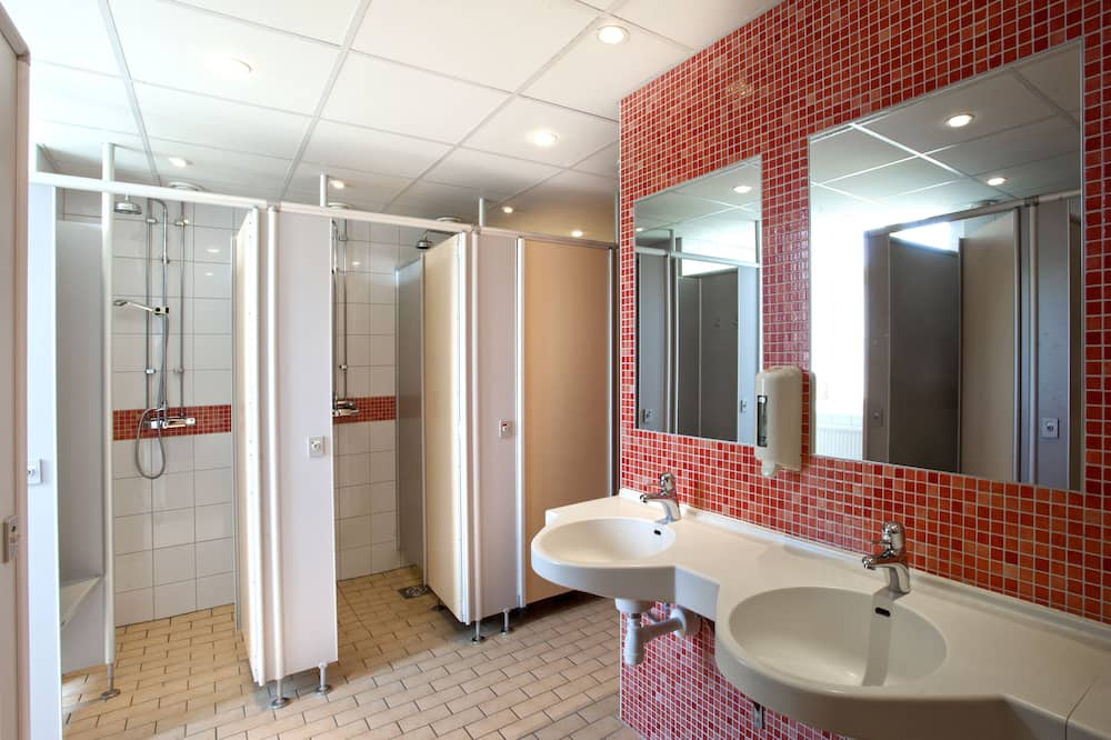 Single Room, Shared Bathroom (excluding bed linen and towels) - Bathroom