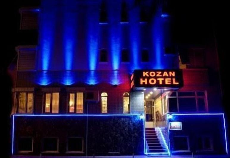 Kozan Hotel, Antalya, Otelin Önü - Akşam/Gece