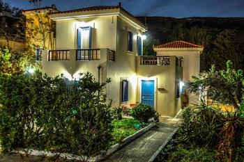 ภาพ Mainades Maisonettes and Studios ใน Andros