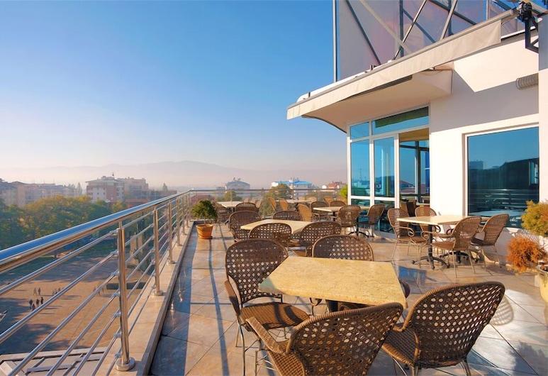 Hotel Turist, Κράλιεβο, Γεύματα σε εξωτερικό χώρο