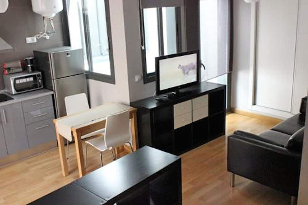 Basic-studiolejlighed - køkken - Opholdsområde