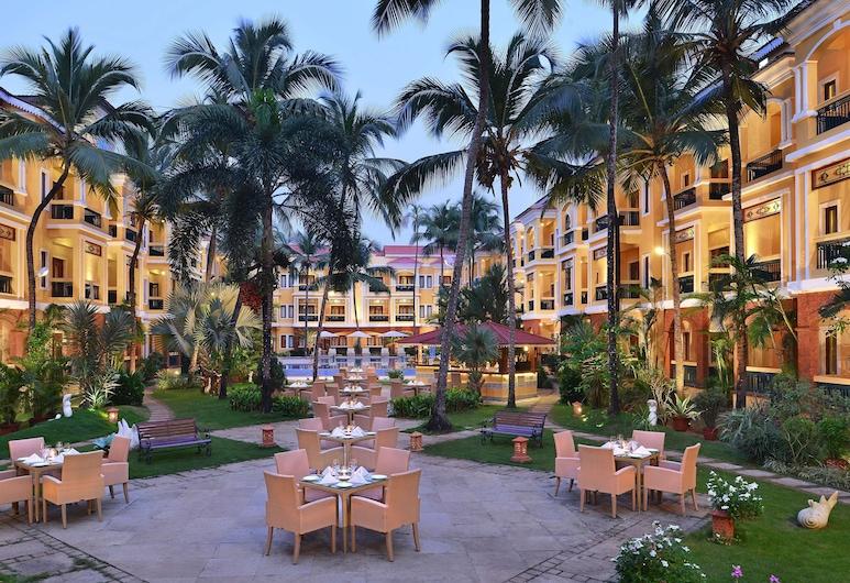 Country Inn & Suites by Radisson, Goa Candolim, Candolim, Εξωτερική πισίνα