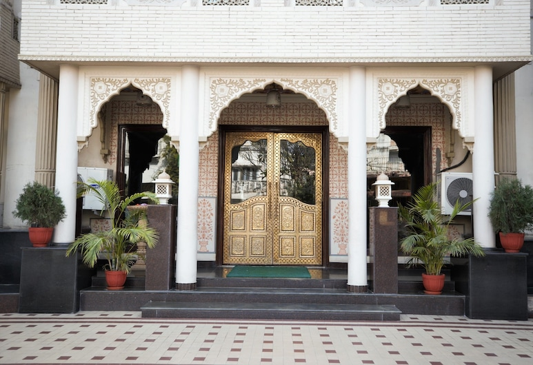 Nahargarh Haveli, Jaipur, Fachada do hotel